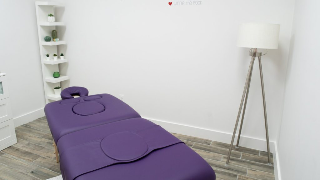 Massages room 01 / Cuarto de masajes 01